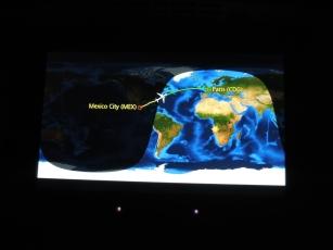 Siempre es entretenido ver por dónde va el avión en el Atlántico, sobre todo cuando la pantalla está frente a los ojos.