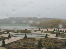 El Palacio de Versalles y sus jardines son un deleite visual.