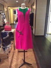 Este diseño de Christian Dior se ve mucho mejor en persona que en la foto.
