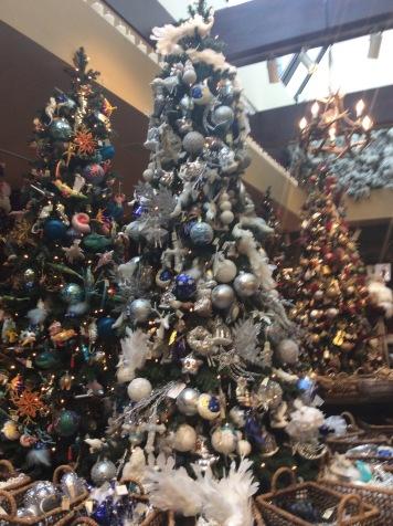¡Quiero que el pino de la casa esté como éste de la tienda!